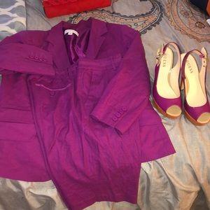 Suit w/heels